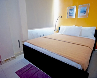 Deluxe Private Double Bed Room with Shared Bathroom